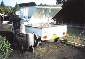 バラ肥料移替作業-03
